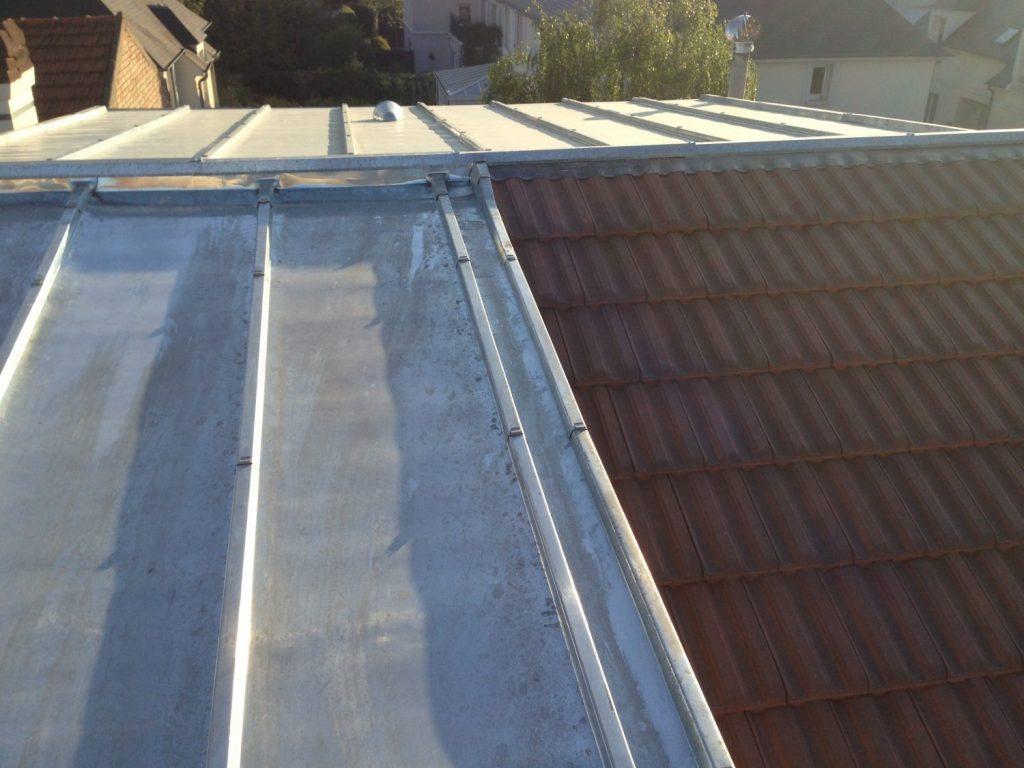 Rénovation d'une toiture en zinc